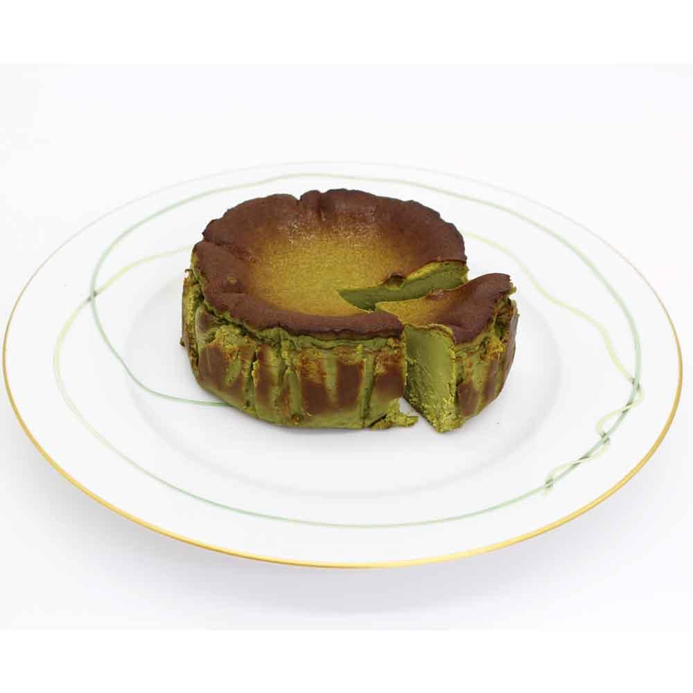 八女抹茶バスクチーズケーキ